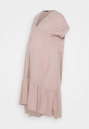 DEORIA - Žerzejové šaty - dirty pink