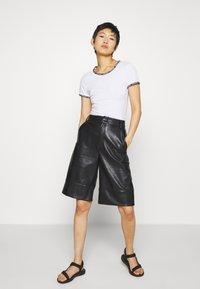 Calvin Klein Jeans - LOGO TRIM - Print T-shirt - bright white - 1