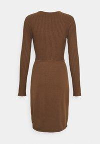 Esprit Collection - DRESS - Pouzdrové šaty - toffee - 1