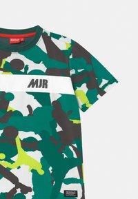 Monta Juniors - TAYO UNISEX - Print T-shirt - mallard green - 2