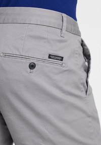 Scotch & Soda - STUART CLASSIC SLIM FIT - Chinos - grey - 5