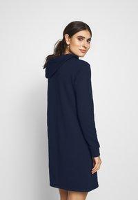 GANT - LOCK UP HOODIE DRESS - Robe d'été - evening blue - 2