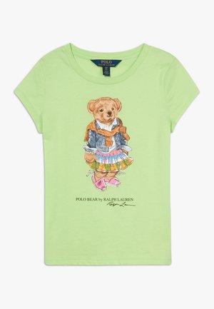 BEAR TEE - Print T-shirt - key lime