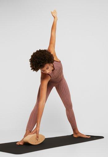 OVAL YOGA BLOCK - Fitness/jóga - natural