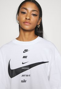 Nike Sportswear - Camiseta estampada - white/black - 6