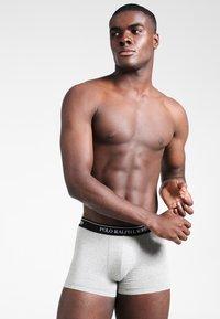 Polo Ralph Lauren - POUCH TRUNKS 3 PACK - Underkläder - andover heather/black/white - 1