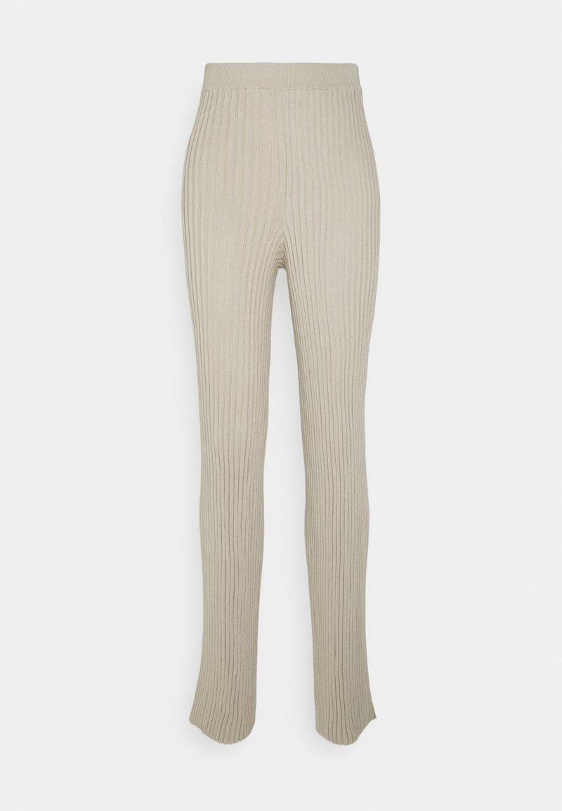 NA-KD - RIBBED KNITTED PANTS - Trousers - light khaki