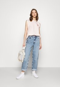 River Island - Relaxed fit jeans - mid auth - 1