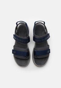 New Balance - SUA - Chodecké sandály - magnet - 3