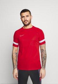 Nike Performance - Triko spotiskem - university red/white - 0