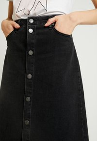 Tomorrow - HEPBURN SKIRT ORIGINAL - A-Linien-Rock - black - 3
