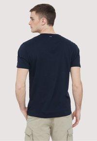 Napapijri - SEY - Print T-shirt - dark blue - 2