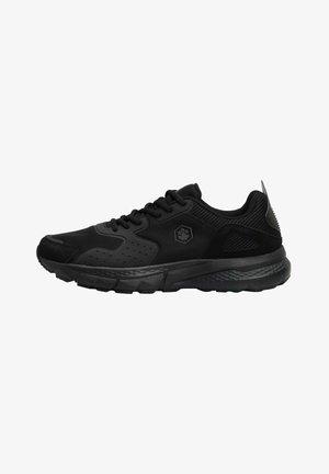 BLACK RUNNING BOTTLE 1PR - Tenisky - black