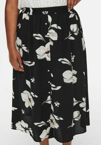 ONLY Carmakoma - CURVY PRINT - A-line skirt - black - 2