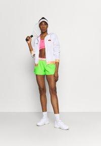 BIDI BADU - TIIDA TECH SHORTS - Sportovní kraťasy - neon green/pink - 1