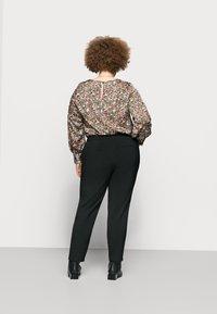ONLY Carmakoma - CARVILDAS CIGARETTE PANT - Trousers - black - 2