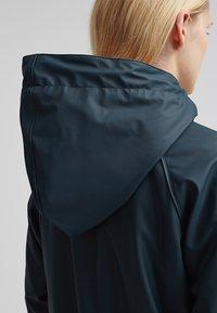 Derbe - TRAVEL COZY FRIESE - Waterproof jacket - navy - 7