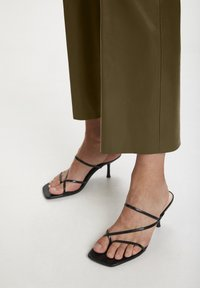 Soaked in Luxury - Trousers - military olive - 3