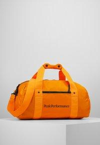 Peak Performance - DETOUR II 35L - Sports bag - explorange - 1