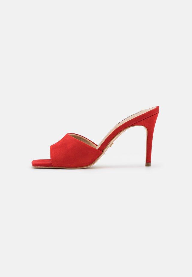 MOGUL - Sandaler - red
