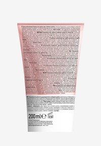 L'OREAL PROFESSIONNEL - Paris Serie Expert Vitamino Color Conditioner - Conditioner - - - 2