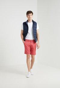 Polo Ralph Lauren - CUSTOM SLIM SOFT COTTON TEE - Basic T-shirt - white - 1