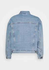 Levi's® - STAY LOOSE TRUCKER - Kurtka jeansowa - hang loose trucker - 1