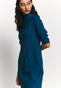 Closet - HIGH COLLAR PENCIL DRESS - Etuikjole - blue - 4