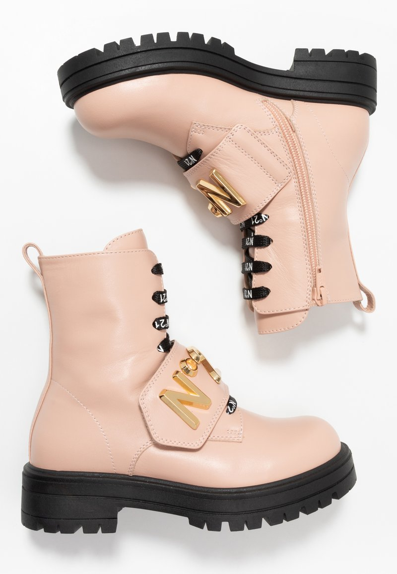 N°21 - Lace-up ankle boots - pink