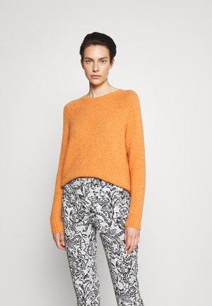 GEO - Stickad tröja - orange