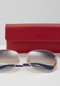 Guess - Sunglasses - gold-coloured - 3