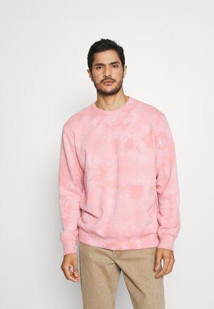 TIE DYE CREW - Bluza - pure pink