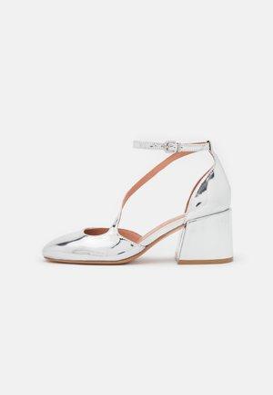 JANE - Classic heels - silver