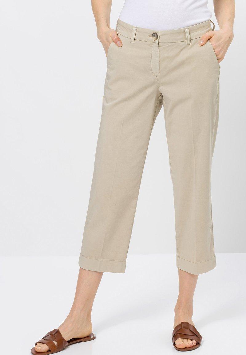 zero - Trousers - raw cotton