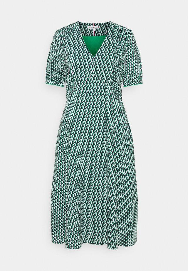 KNEE DRESS - Denní šaty - primary green