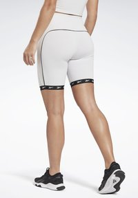 Reebok - STUDIO BIKE HIGH-INTENSITY SHORTS - Shorts - white - 2
