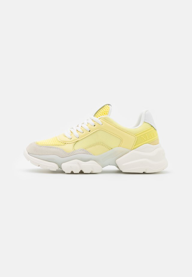 JULIA - Sneakers laag - yellow
