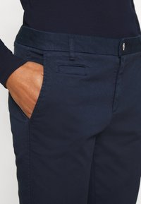 Benetton - Spodnie materiałowe - navy - 5