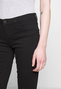 Noisy May - NMEVE JEANS - Jeans Skinny Fit - black - 5
