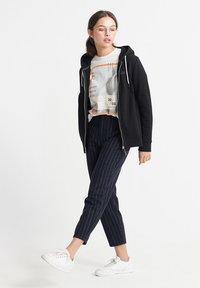 Superdry - ORANGE LABEL ELITE - Zip-up hoodie - black - 1