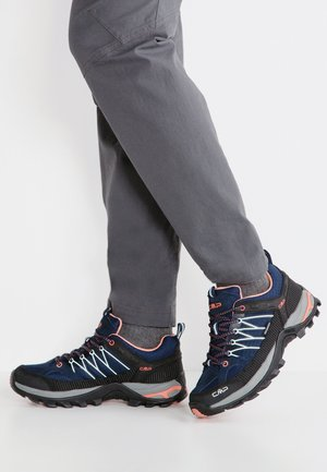 RIGEL LOW TREKKING SHOE WP - Outdoorschoenen - blue/giada/peach
