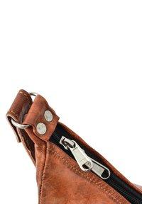 Gusti Leder - Across body bag - brown - 5