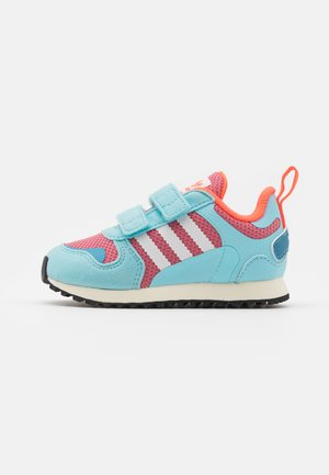 ZX 700 HD UNISEX - Zapatillas - haze rose/haze sky/solid red