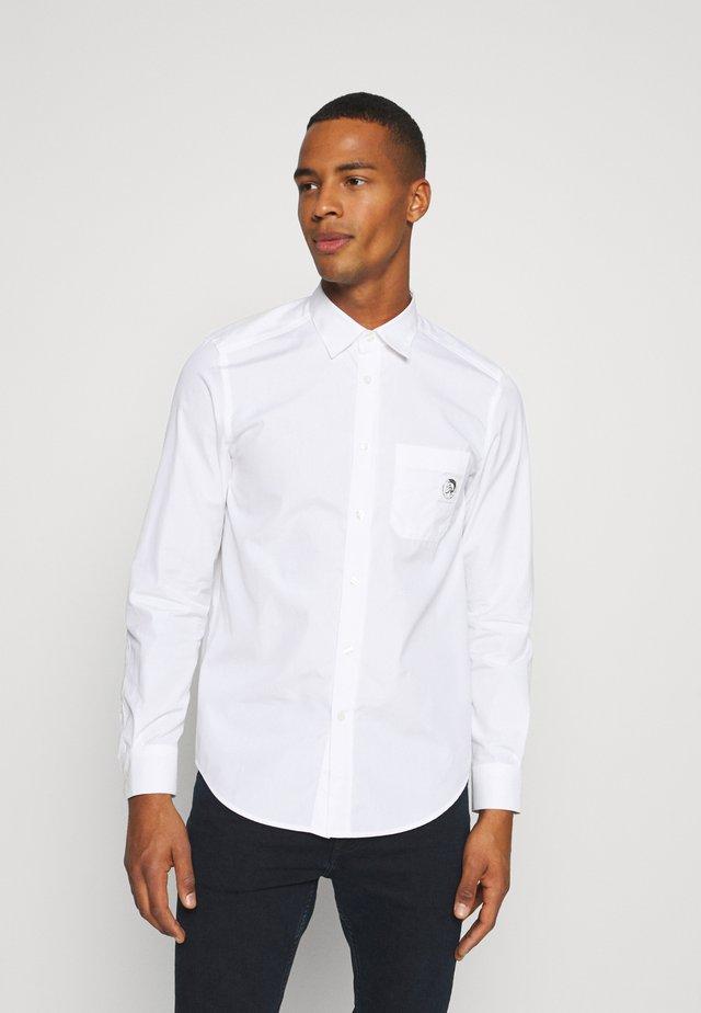BILL POCKET - Camisa - white