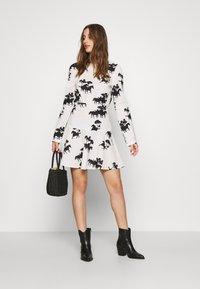 Never Fully Dressed - CREAM FORREST MINI DRESS - Kjole - cream - 1