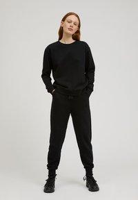 ARMEDANGELS - MAATHILDE - Sweatshirt - black - 1