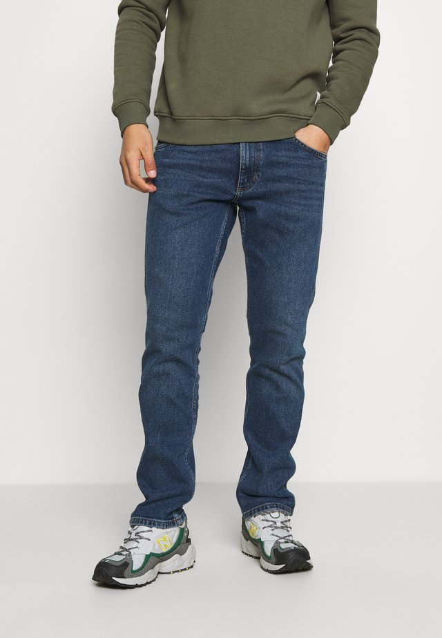 GREENSBORO - Jeans a sigaretta - light blue denim
