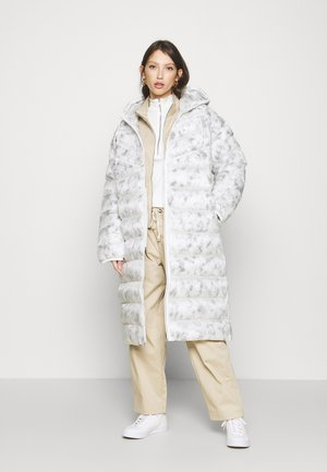 Winter coat - summit white