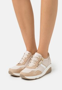 Gabor Comfort - Trainers - ivory/caramel/gold - 0
