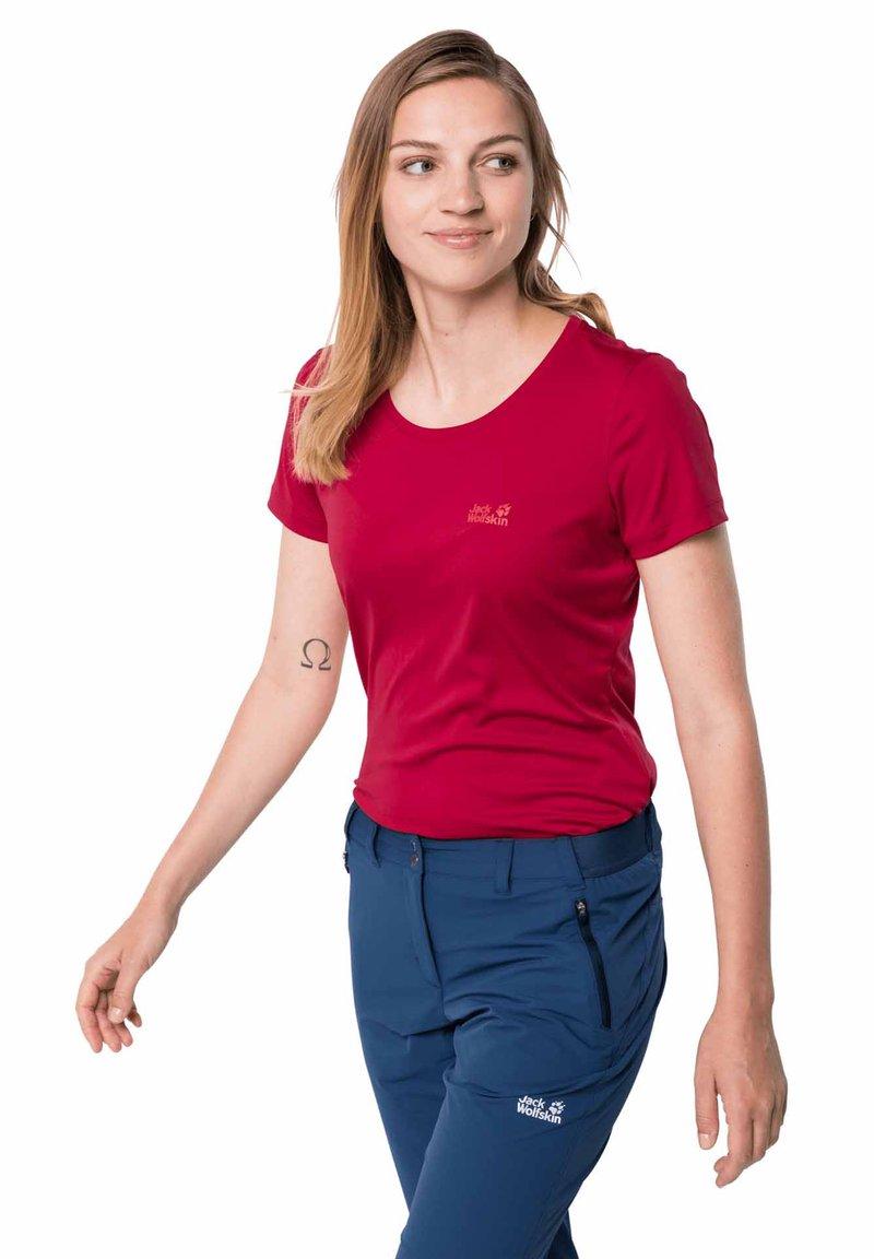 Jack Wolfskin - TECH T W - Sports shirt - scarlet
